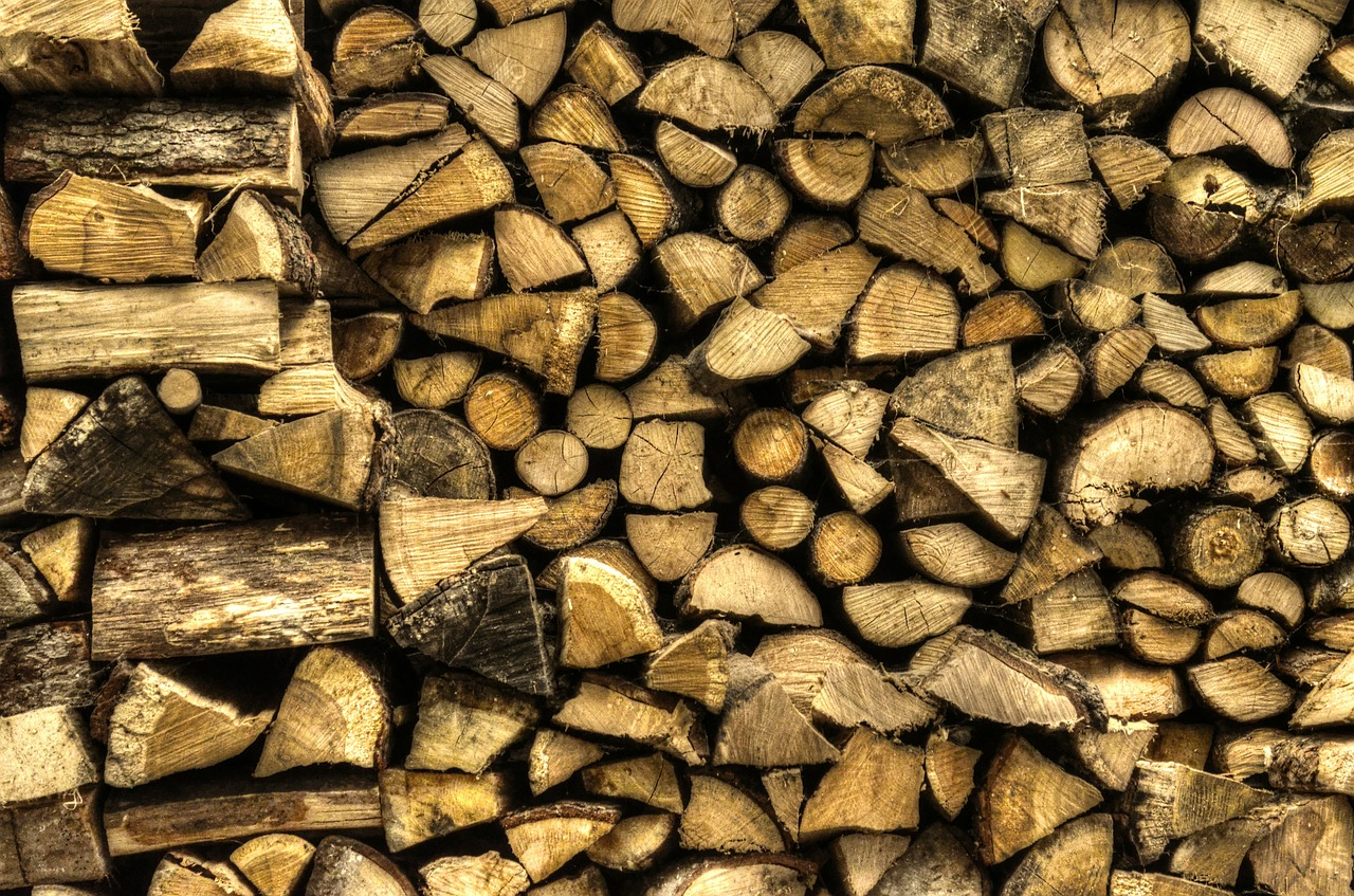 holzstapel wood firewood free photo