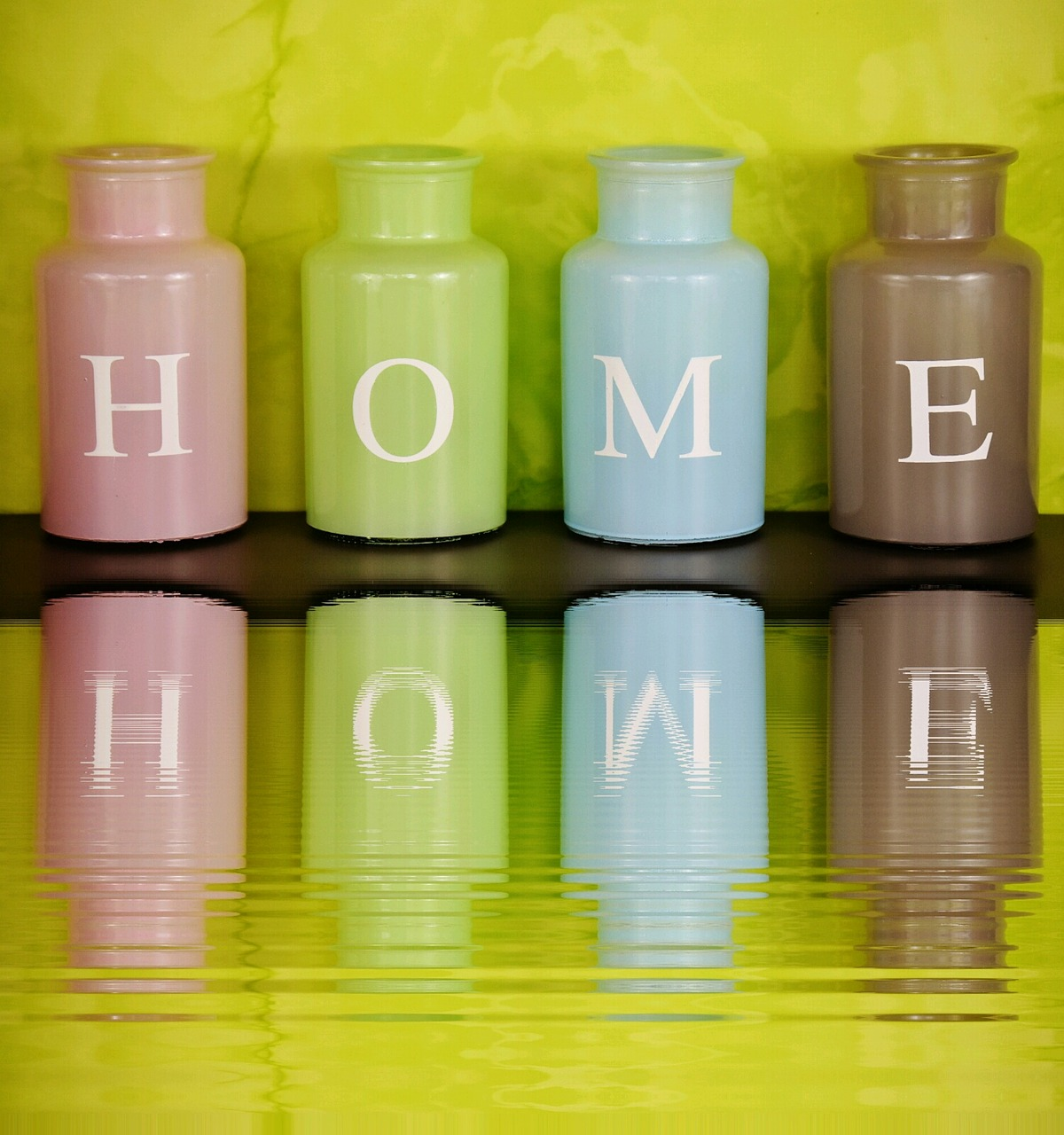 home at home vases free photo