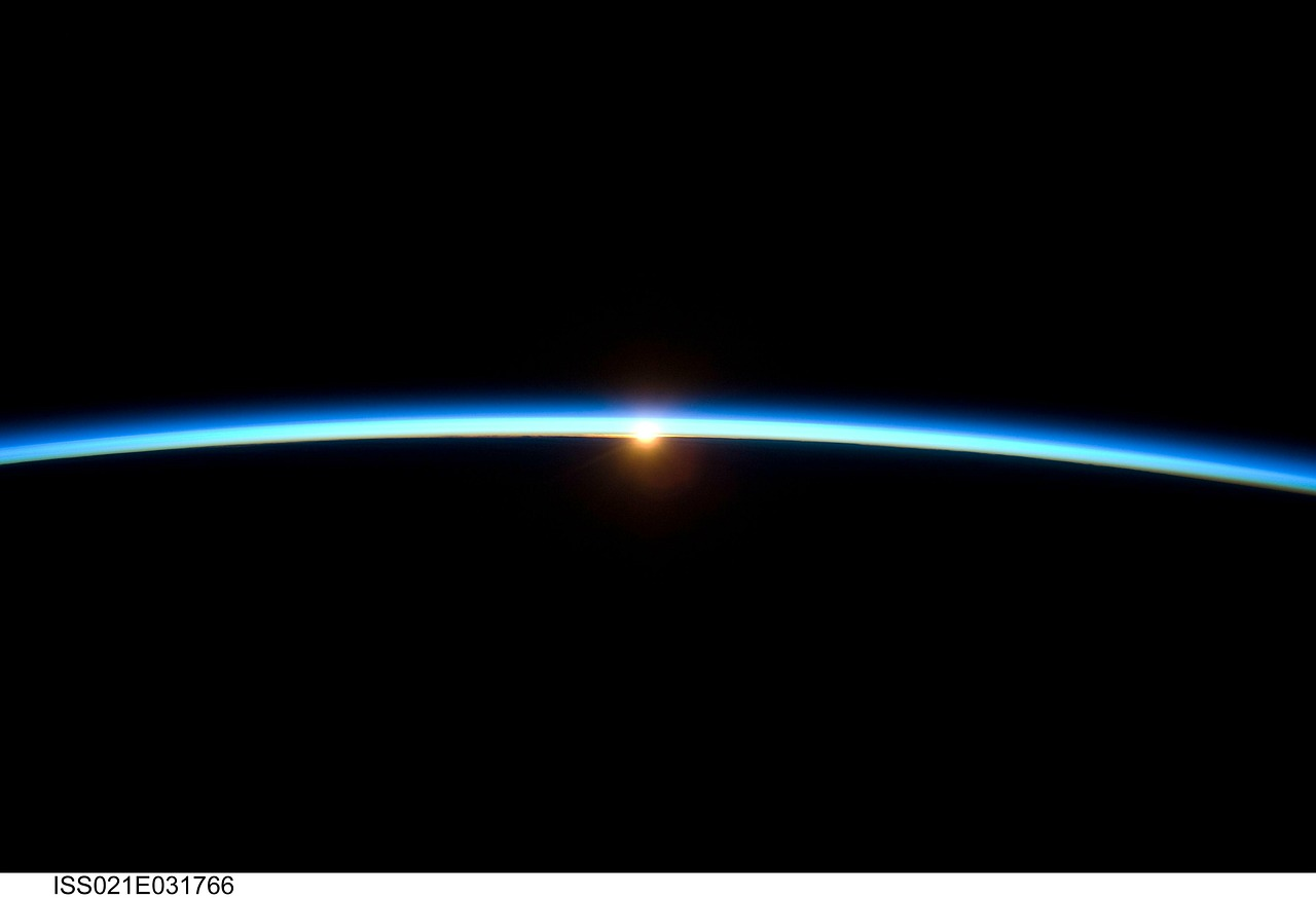 horizon,outer space,astronautics,nasa,cosmonautics,space flight,space travel,aerospace,blue,sunrise,free pictures, free photos, free images, royalty free, free illustrations, public domain