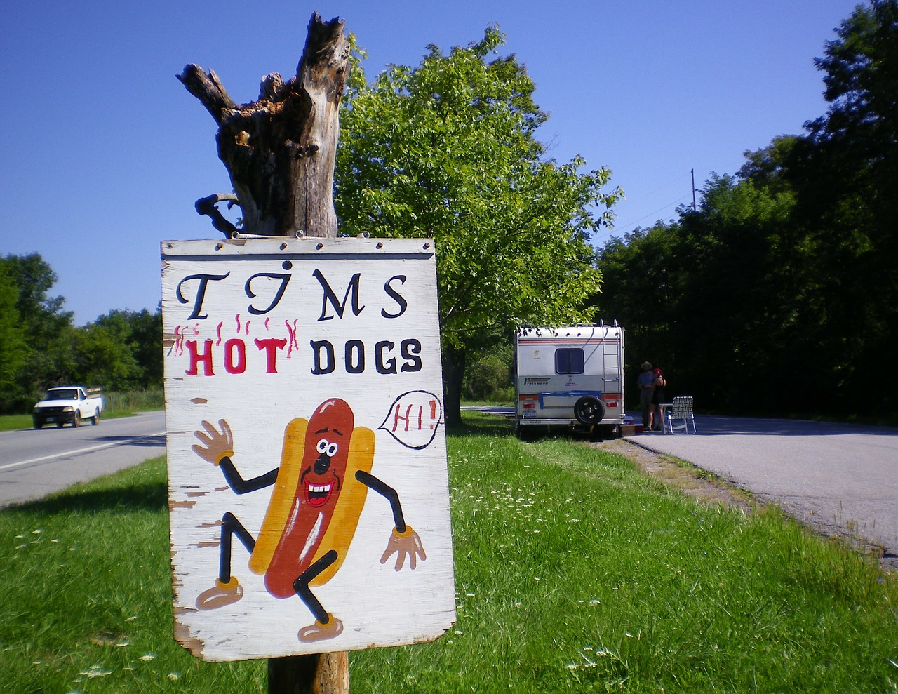 hot dogs road sign roadsign free photo