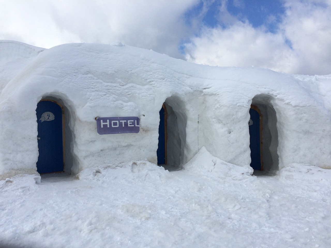hotel igloo ice free photo