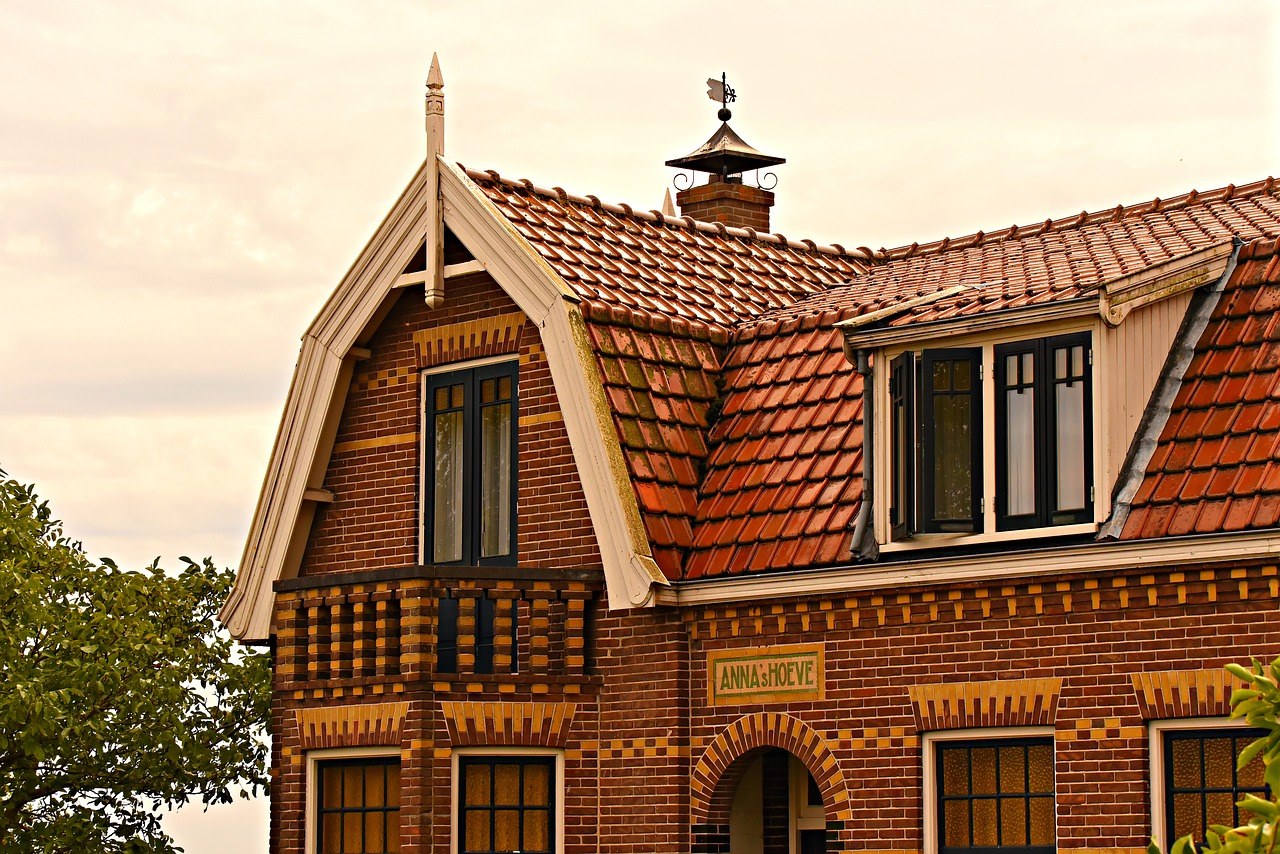 house  tiled roof  upper story free photo