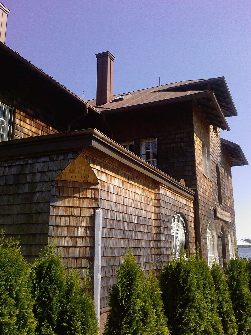house wood trim chalet free photo