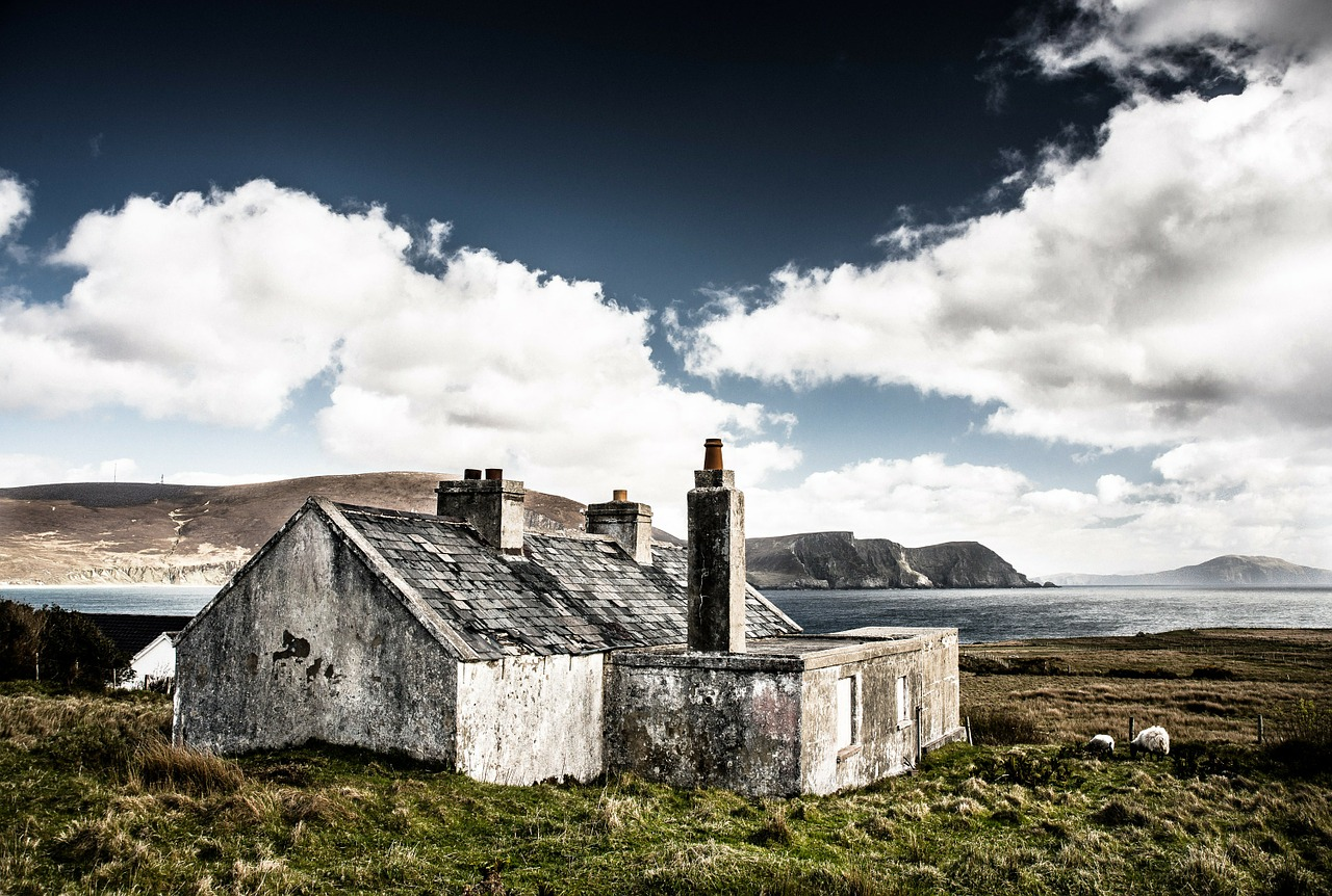 hut ruin ireland free photo