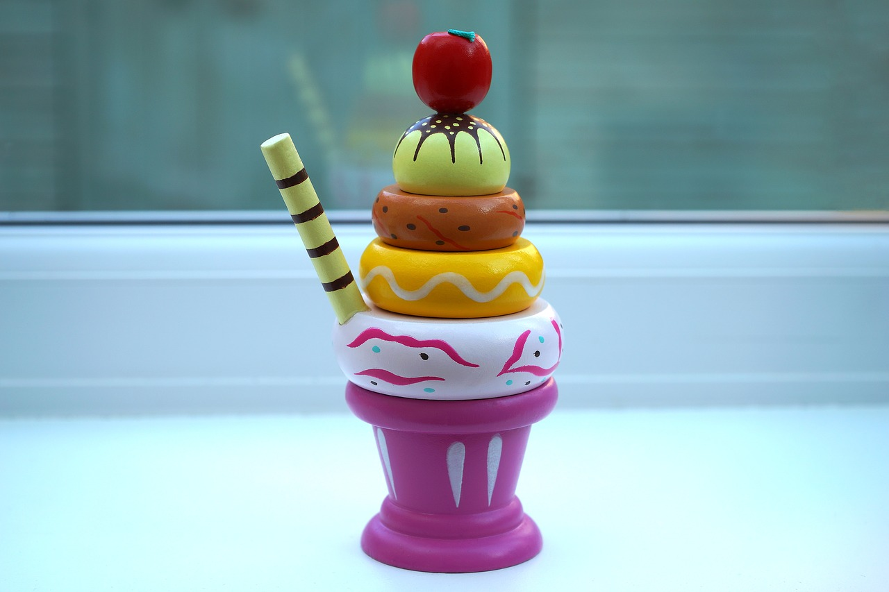 ice cream sundae toy free photo