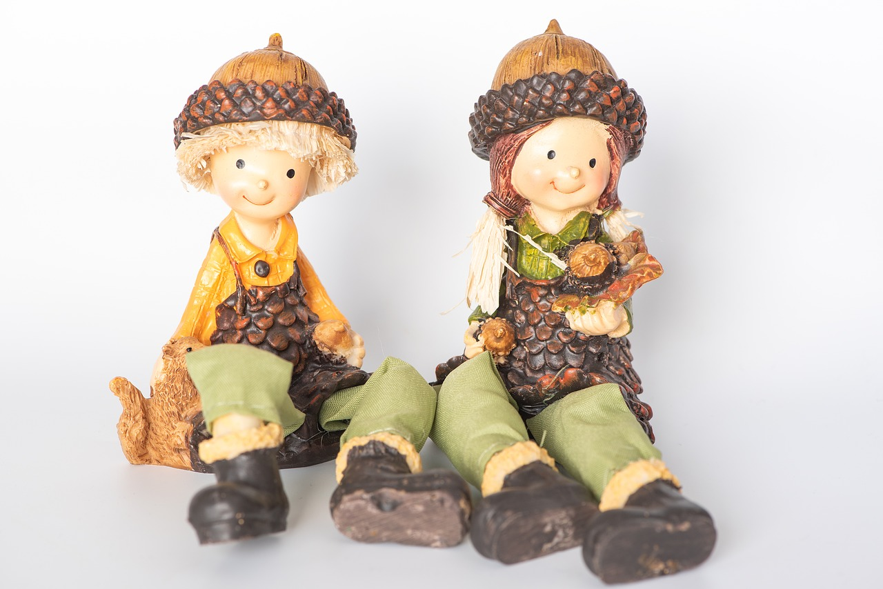 imp  figures  autumn free photo