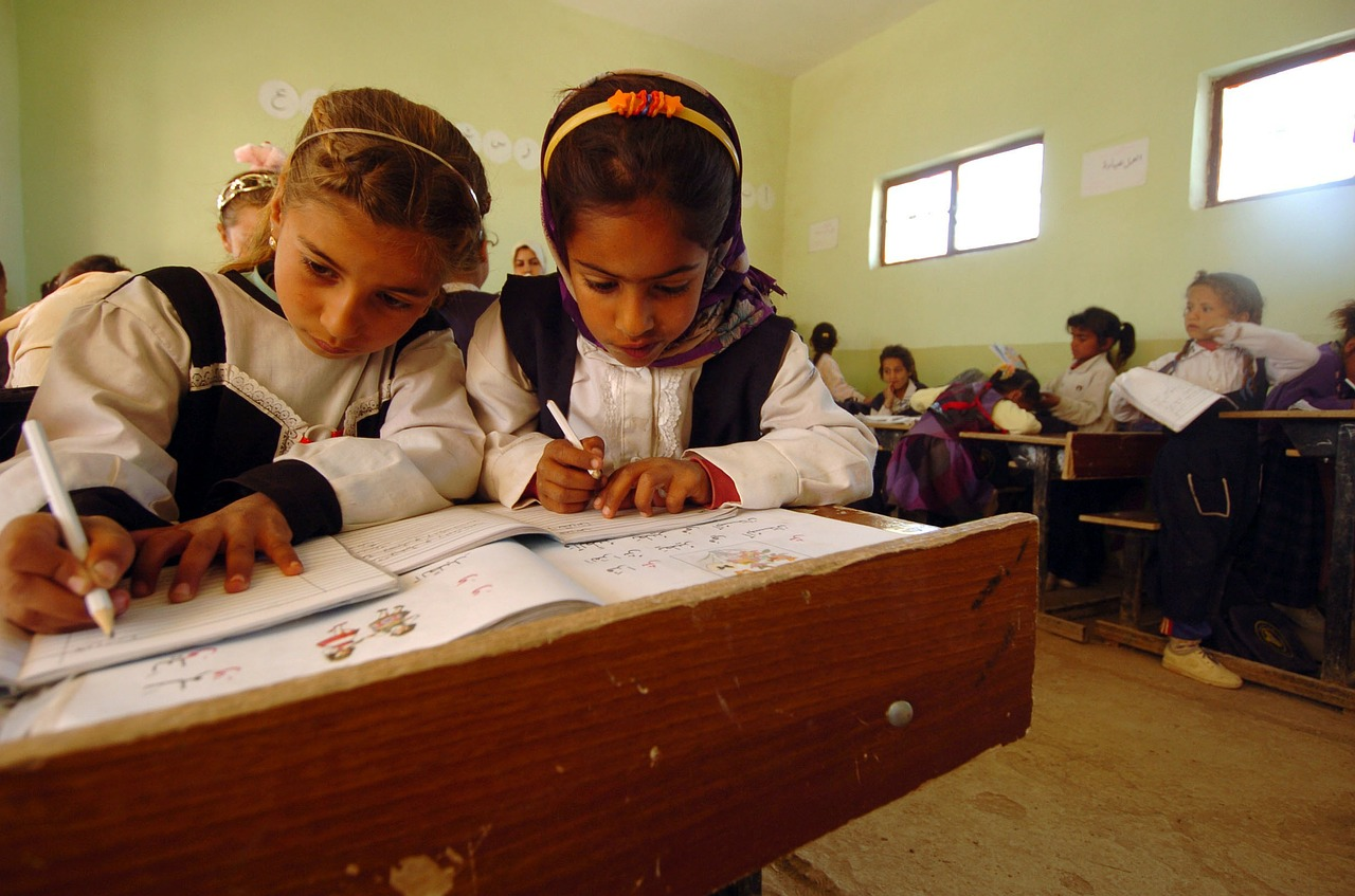 iraq children school free photo