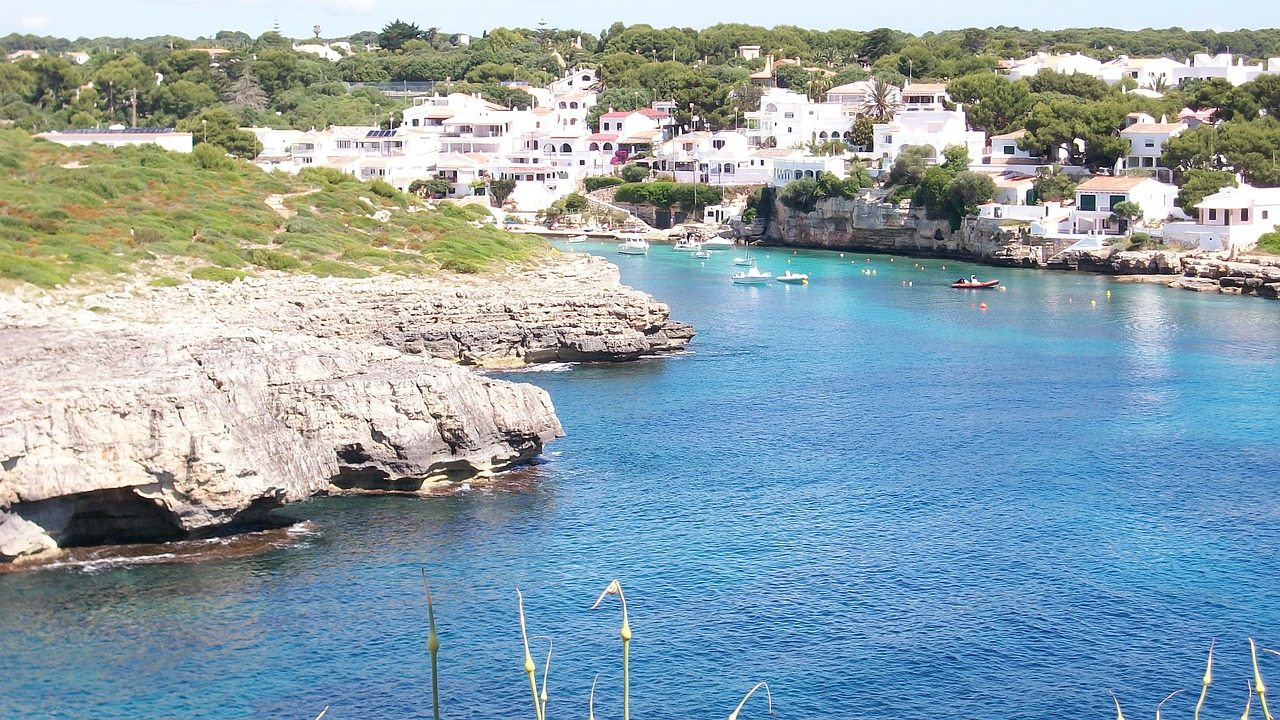 island menorca booked free photo