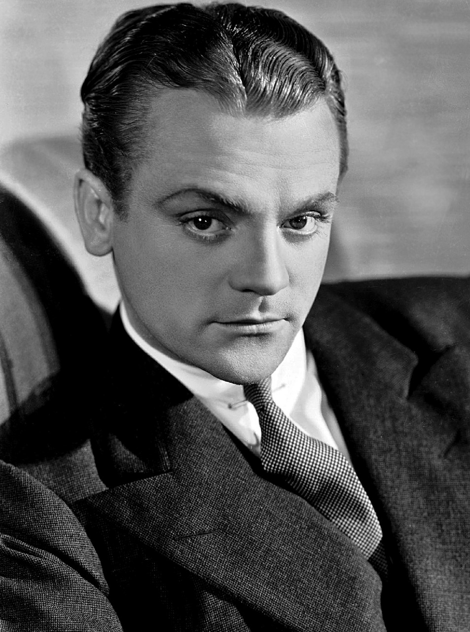 james cagney,star,publicity,man,person,portrait,famous,black and white,monochrome,motion pictures,film,hollywood,celebrity,actor,jimmy cagney,james,history,vintage,movie,free pictures, free photos, free images, royalty free, free illustrations, public domain