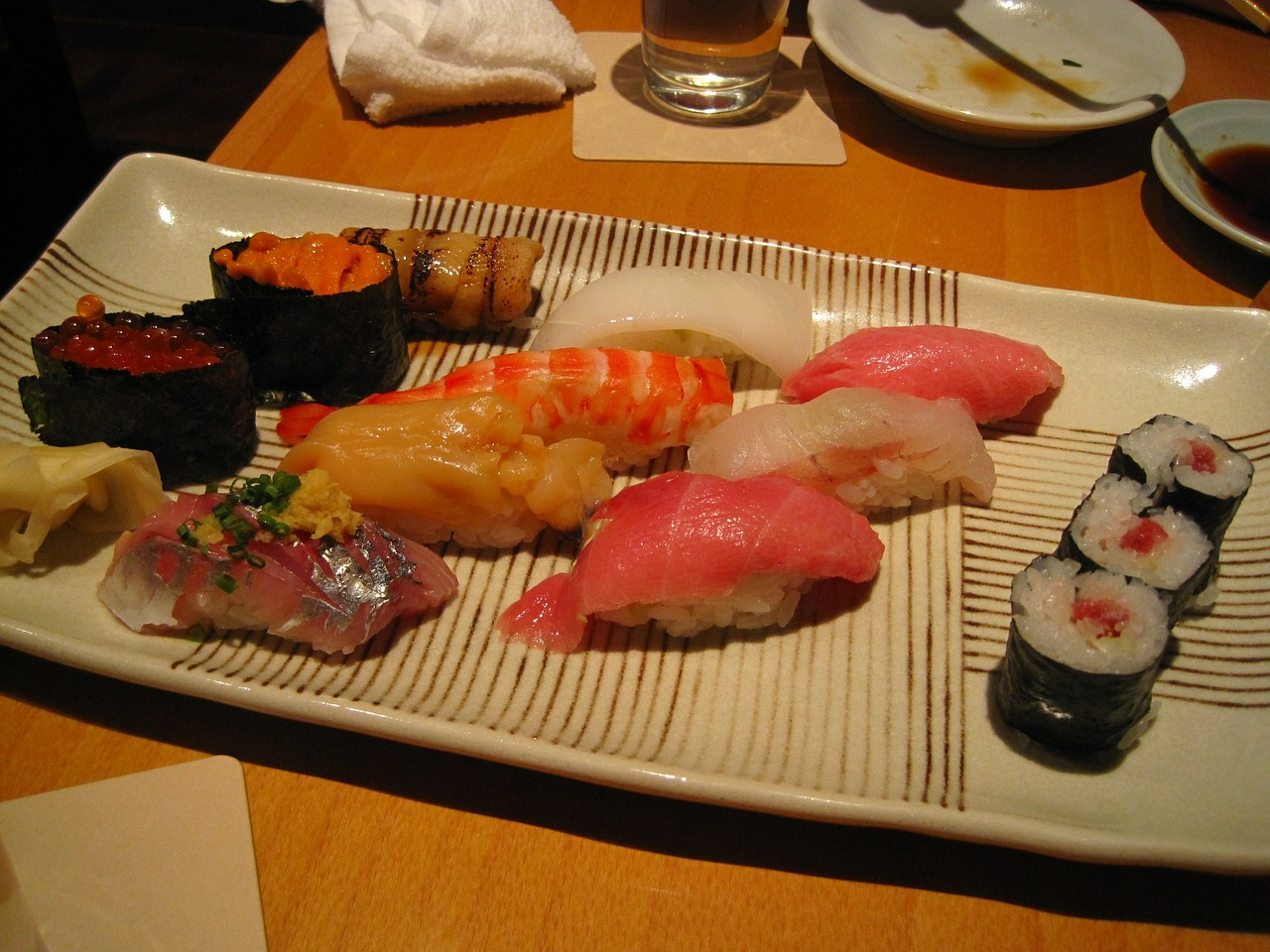 japan food real sushi raw free photo
