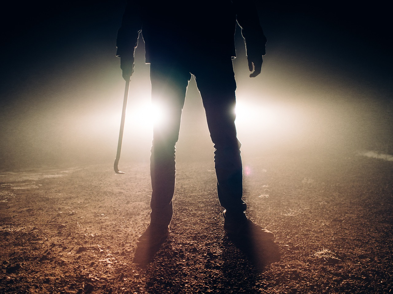 killer,horror,jimmy,jemmy,prybar,crowbar,evil,fear,scary,halloween,spooky,creepy,nightmare,murder,deadly,holding,tool,person,violence,crime,danger,dark,headlights,free pictures, free photos, free images, royalty free, free illustrations, public domain