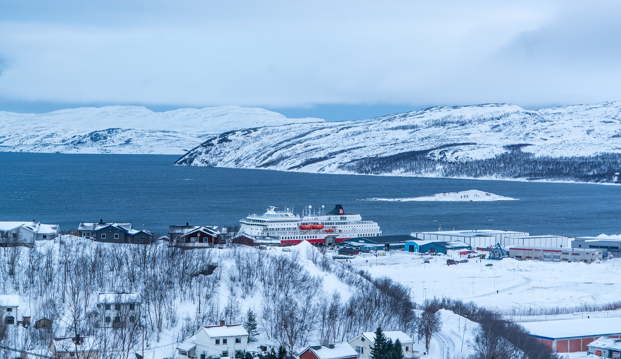 kirkenes norway mountains free photo