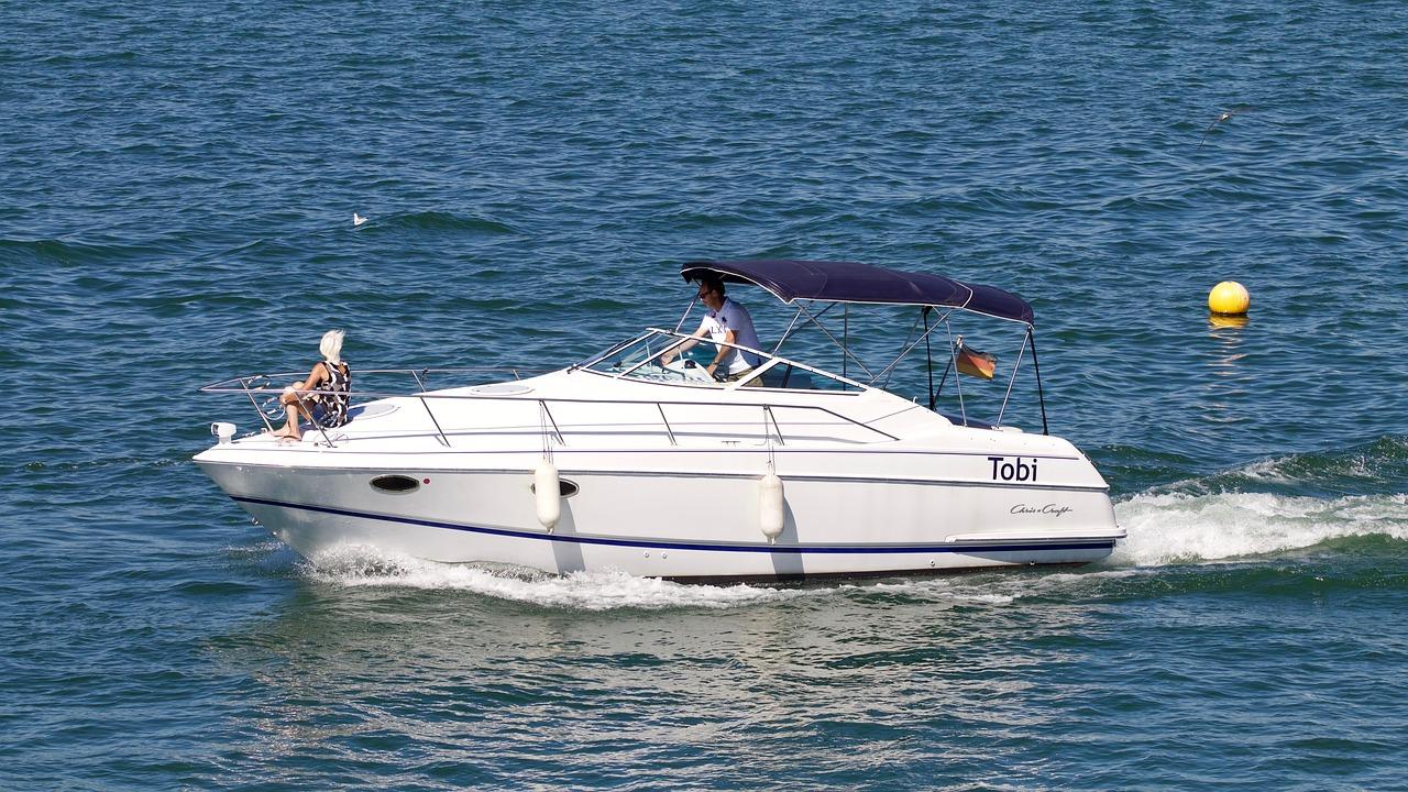 lake boot boat trip free photo