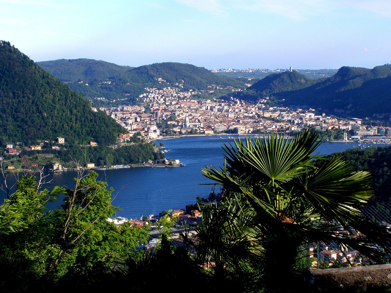 lake como italy city free photo