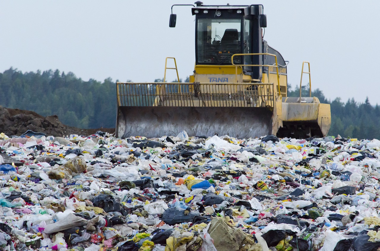 landfill,waste management,waste,the garbage,society,contamination of the,free pictures, free photos, free images, royalty free, free illustrations, public domain