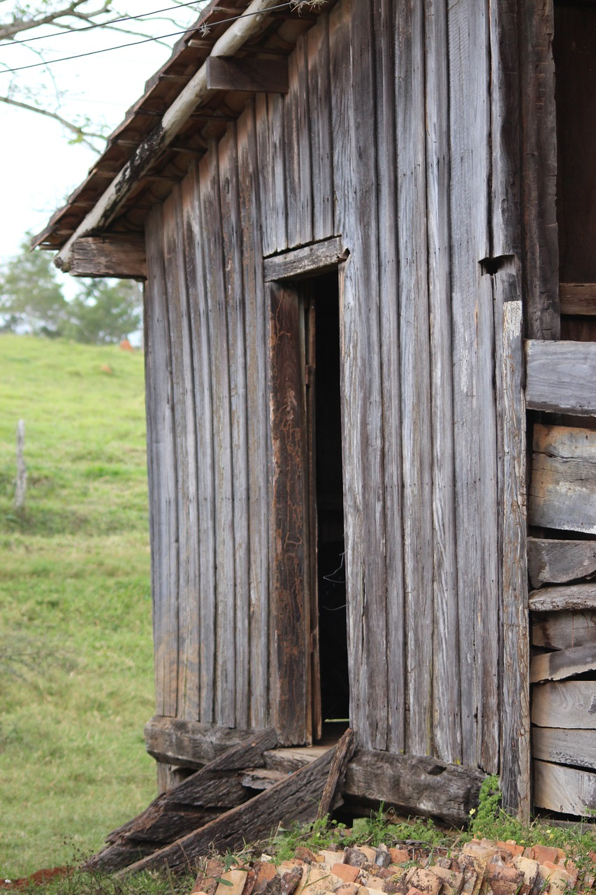landscape old house locker free photo