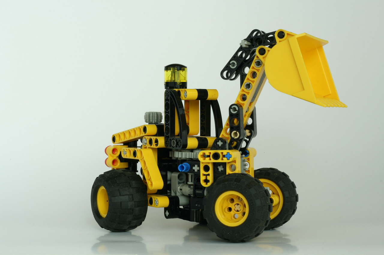 lego technic shovel free photo