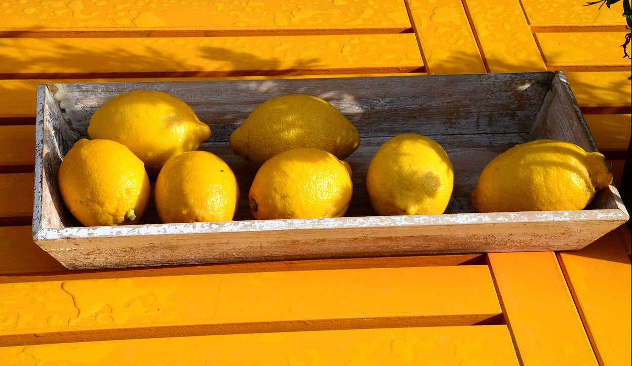 lemons,colorful,fruit,holiday,travel,yellow,free pictures, free photos, free images, royalty free, free illustrations, public domain