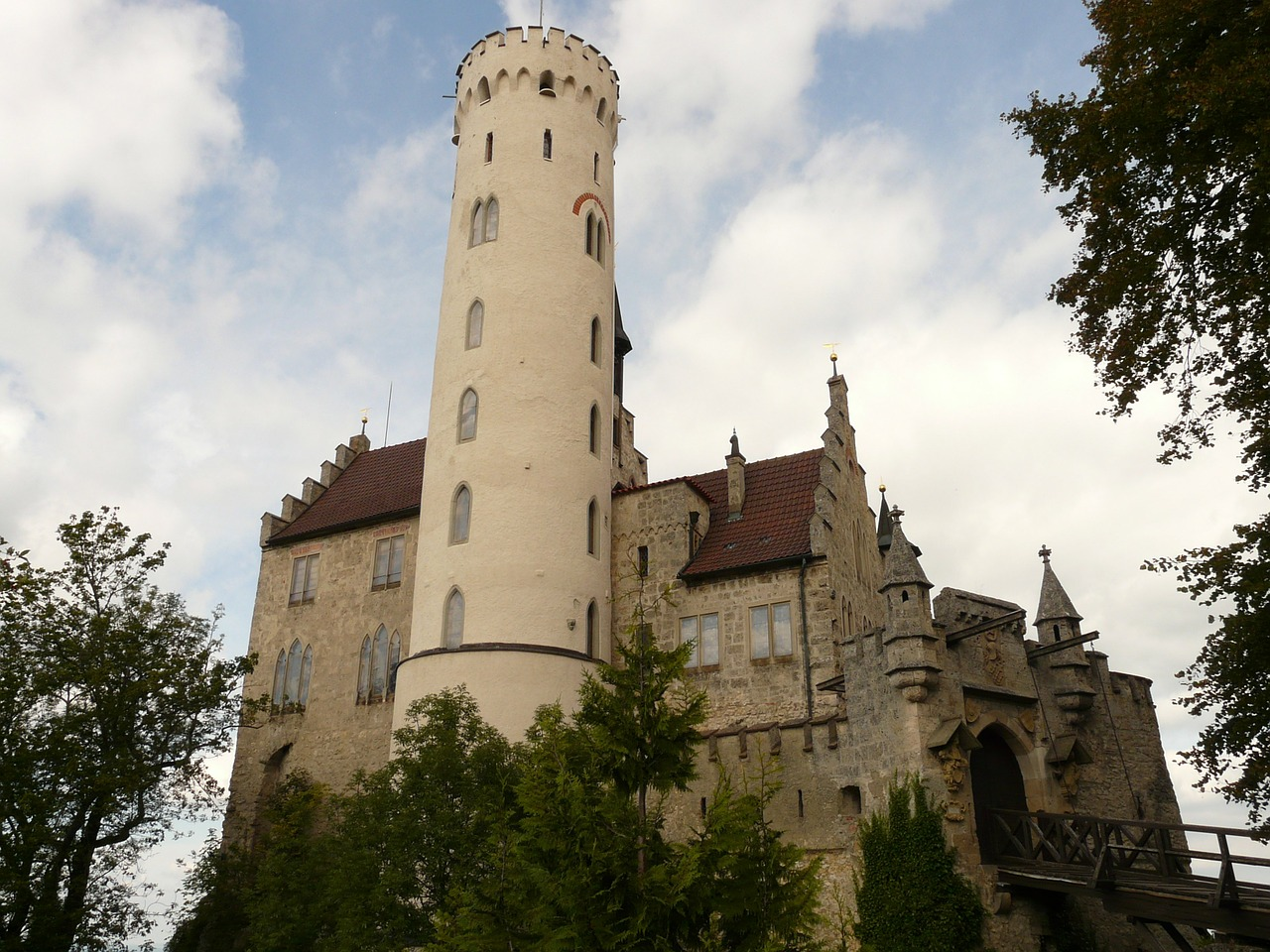 lichtenstein castle knight's castle free photo