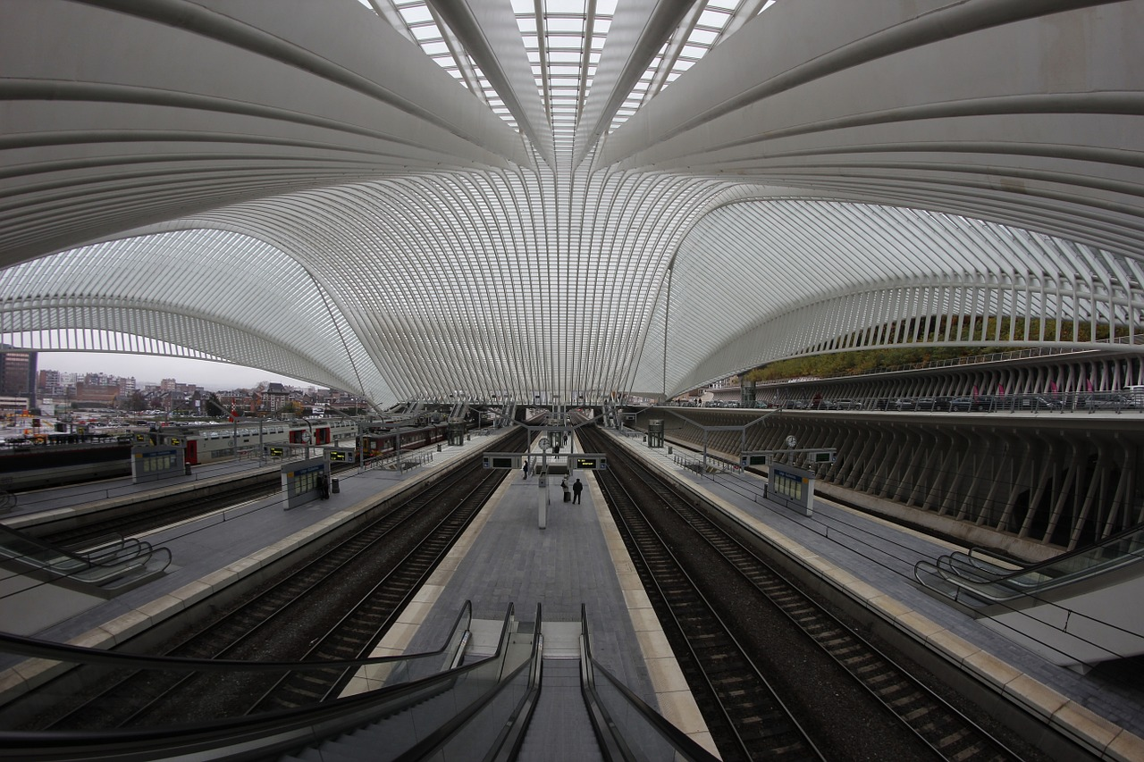 liège railway station architecture free photo