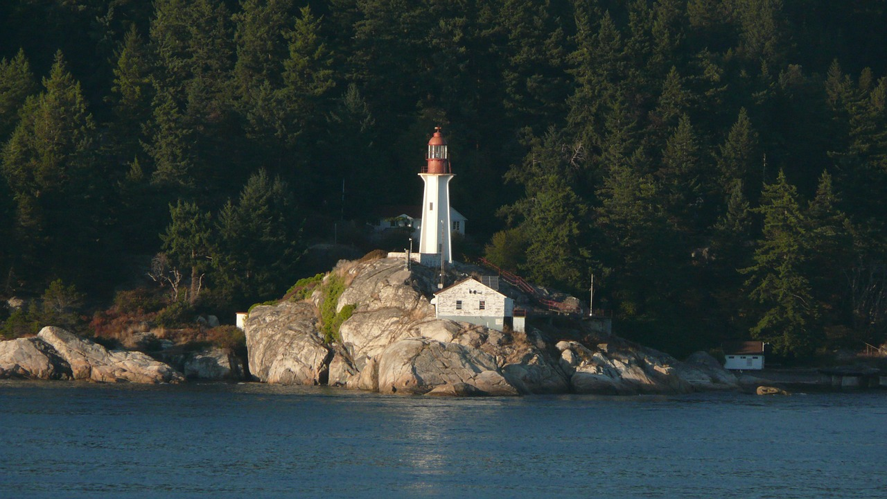 lighthouse canada vancouver free photo