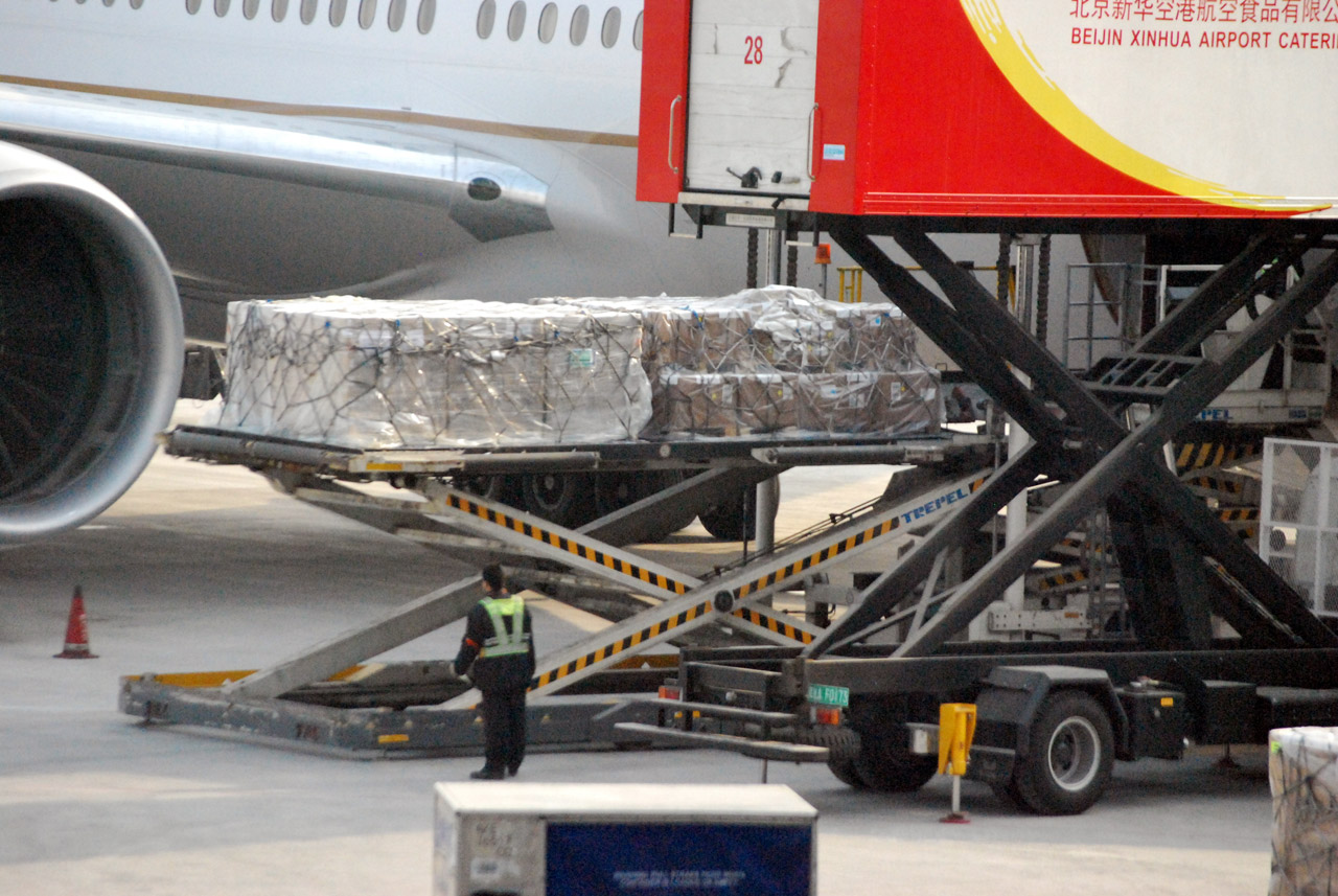 Air Freight Loading Cargo Airplane Free Image From Needpix Com