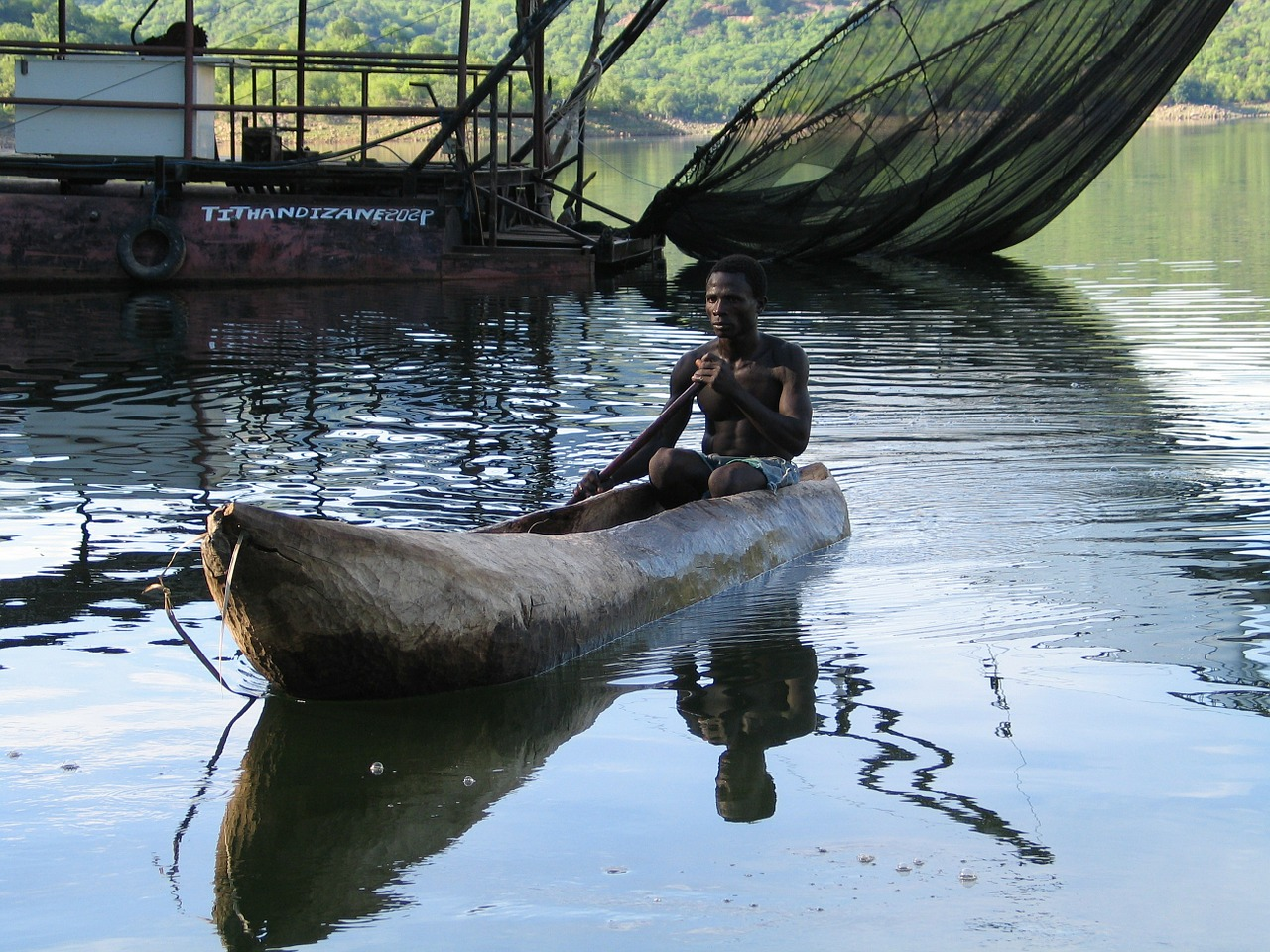 log boat fisherman songo free photo