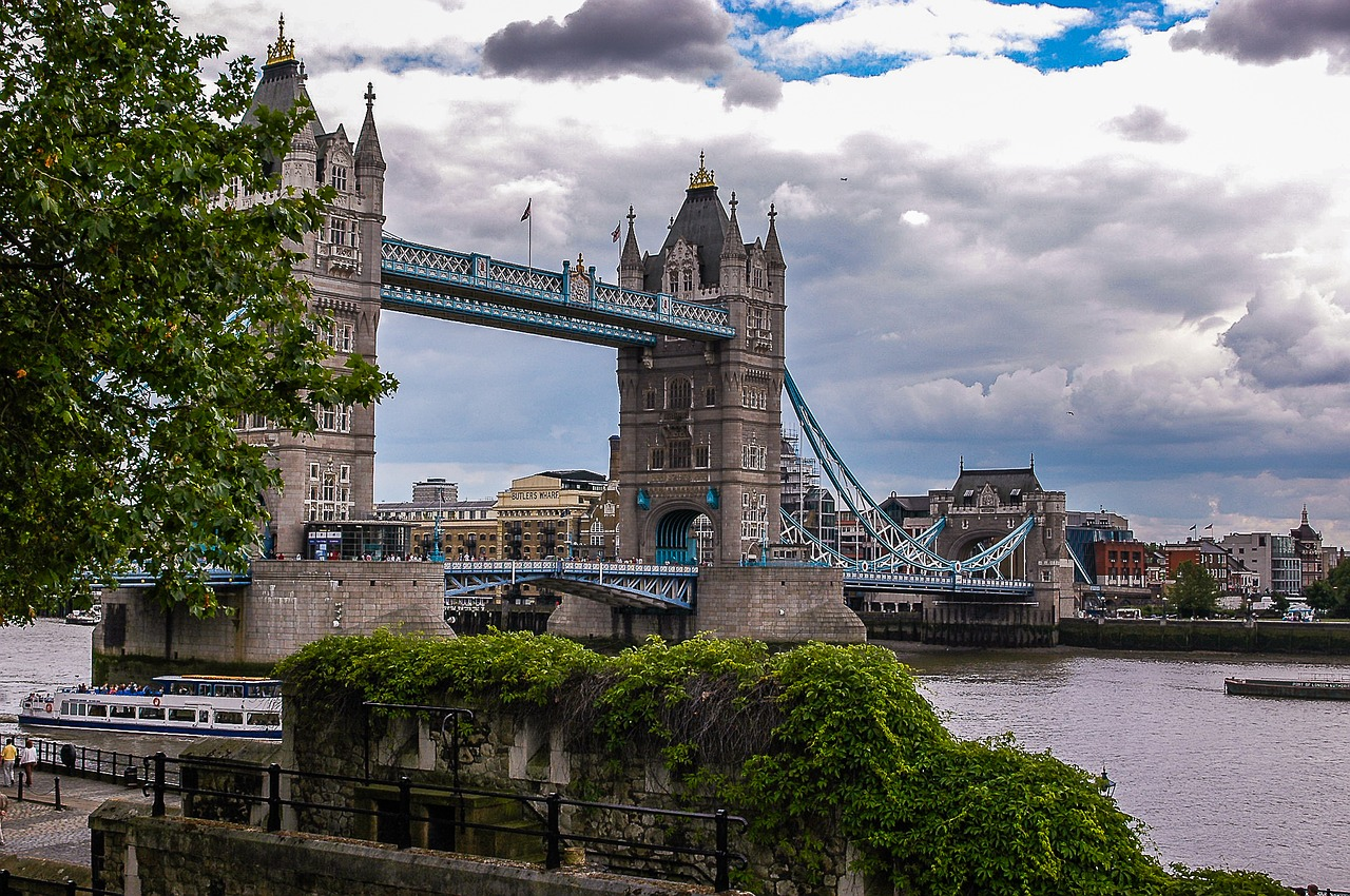 london tower bridge britain free photo