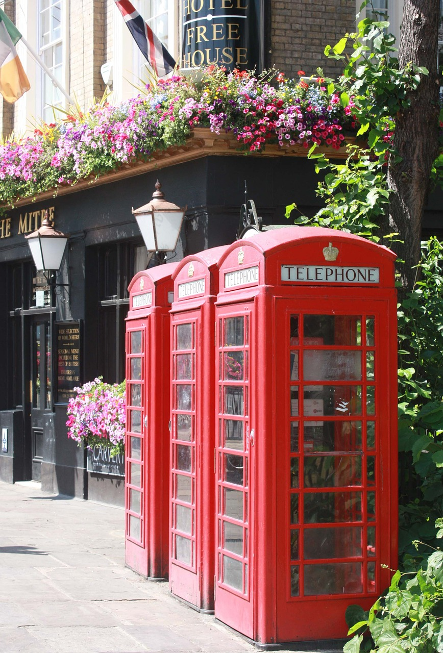 london,phone,telephone booth,red,england,telephone booths,urban,free pictures, free photos, free images, royalty free, free illustrations