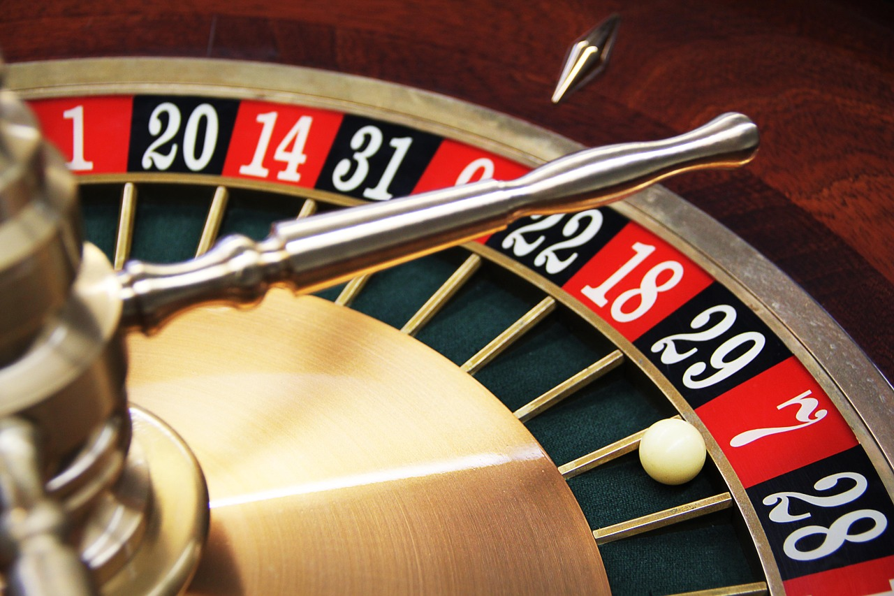 luck,lucky number,7,roulette,boiler,casino,game bank,gambling,prevention,free pictures, free photos, free images, royalty free, free illustrations, public domain