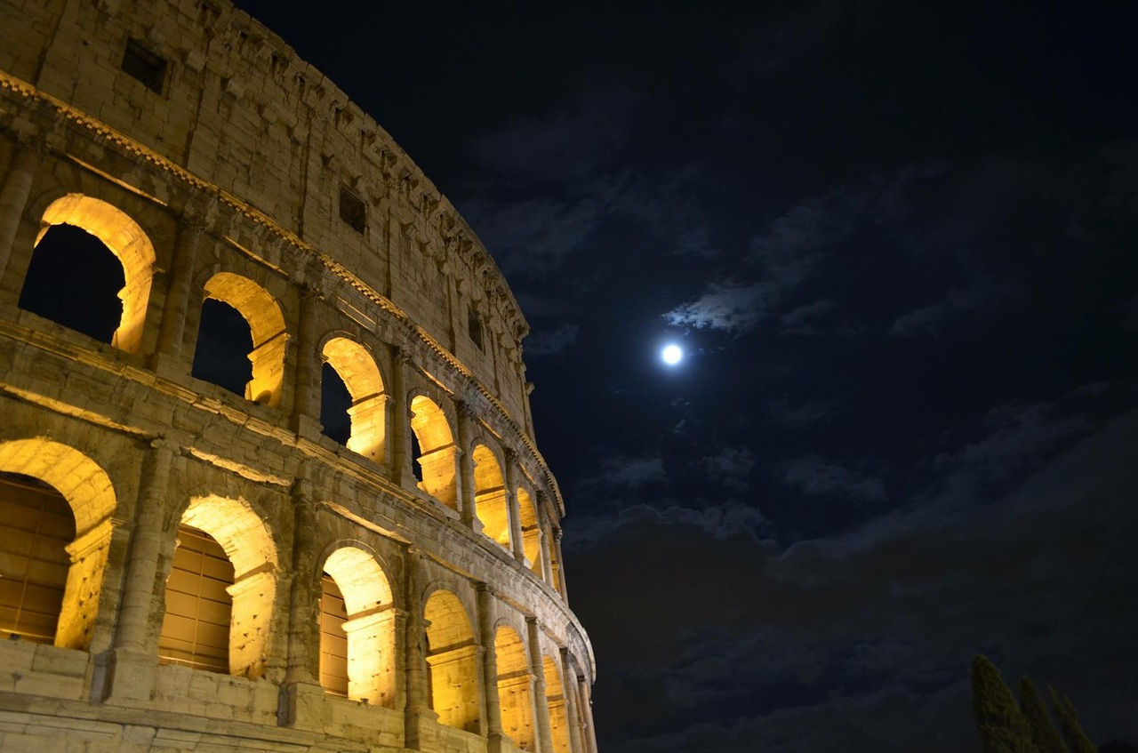 luna colosseum rome free photo
