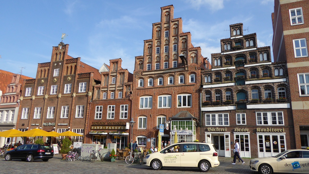 lüneburg,houses facades,old houses,historical houses,brick gothic,hanseatic city,house facade,free pictures, free photos, free images, royalty free, free illustrations, public domain