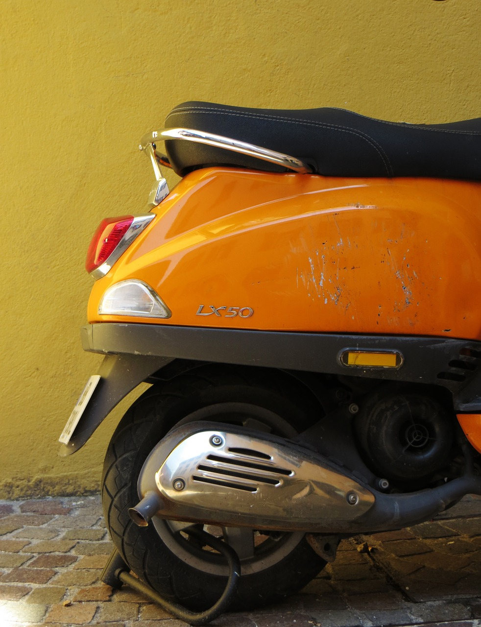 lx50 vespa orange free photo