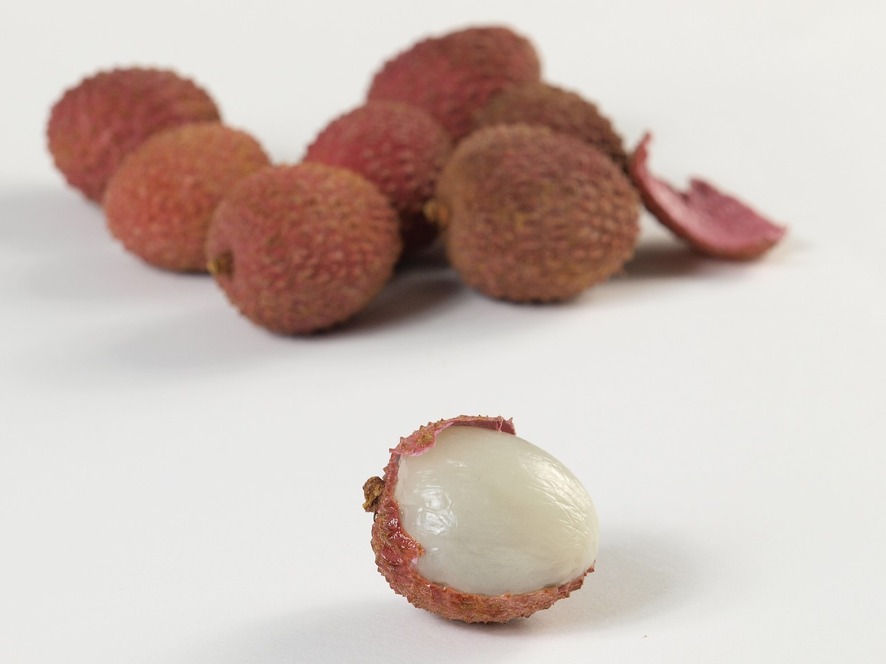 lychees fruits red free photo