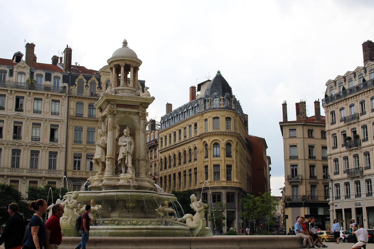 """Résultat de recherche d'images pour """"Old « Lyon » lyon"""""""