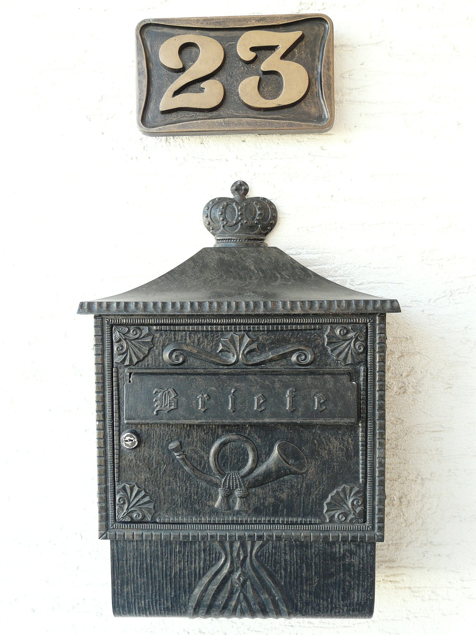 mailbox,house number,post,blacksmithing,metal,house entrance,letter boxes,free pictures, free photos, free images, royalty free, free illustrations, public domain
