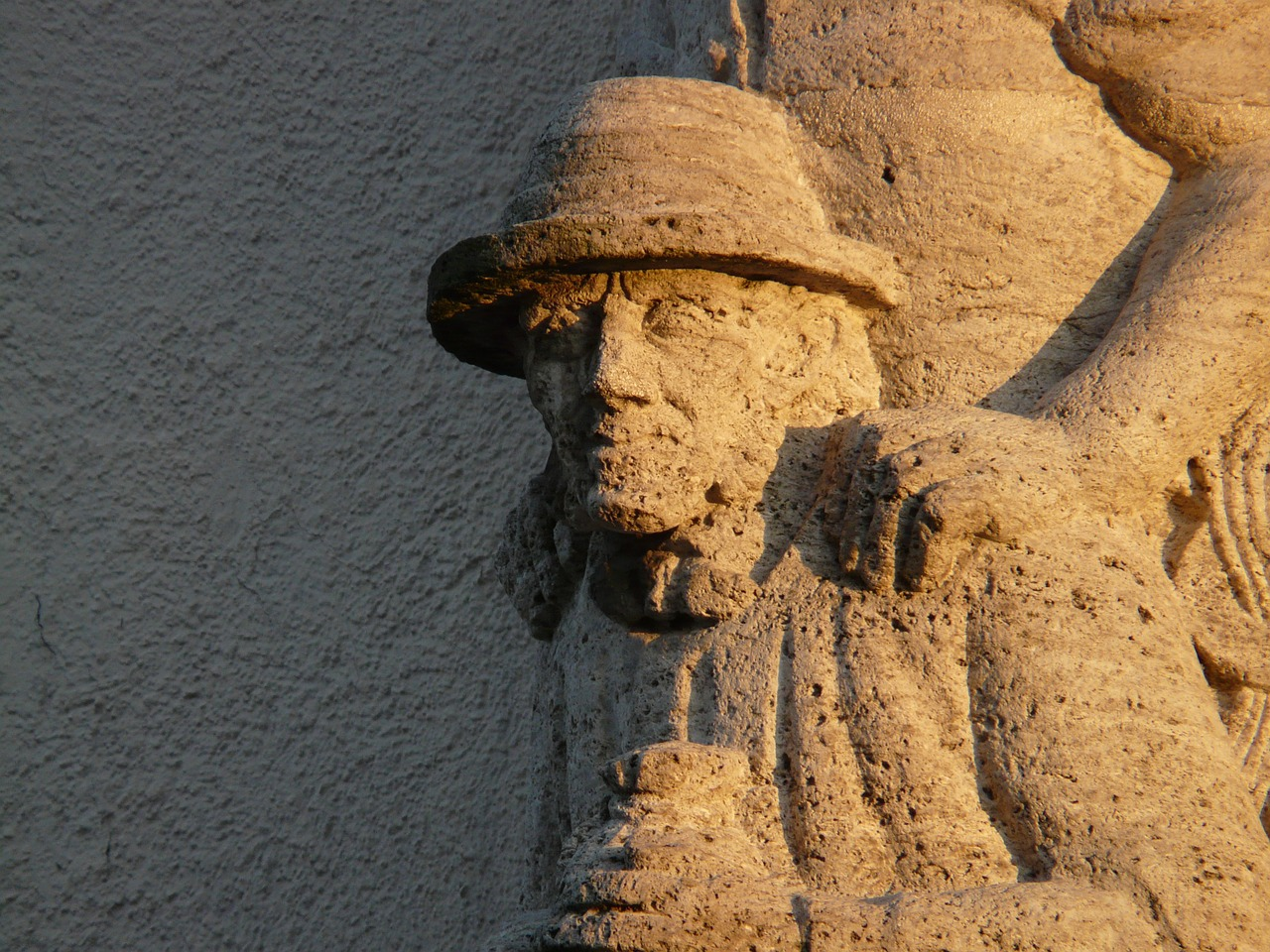 man hat faces free photo