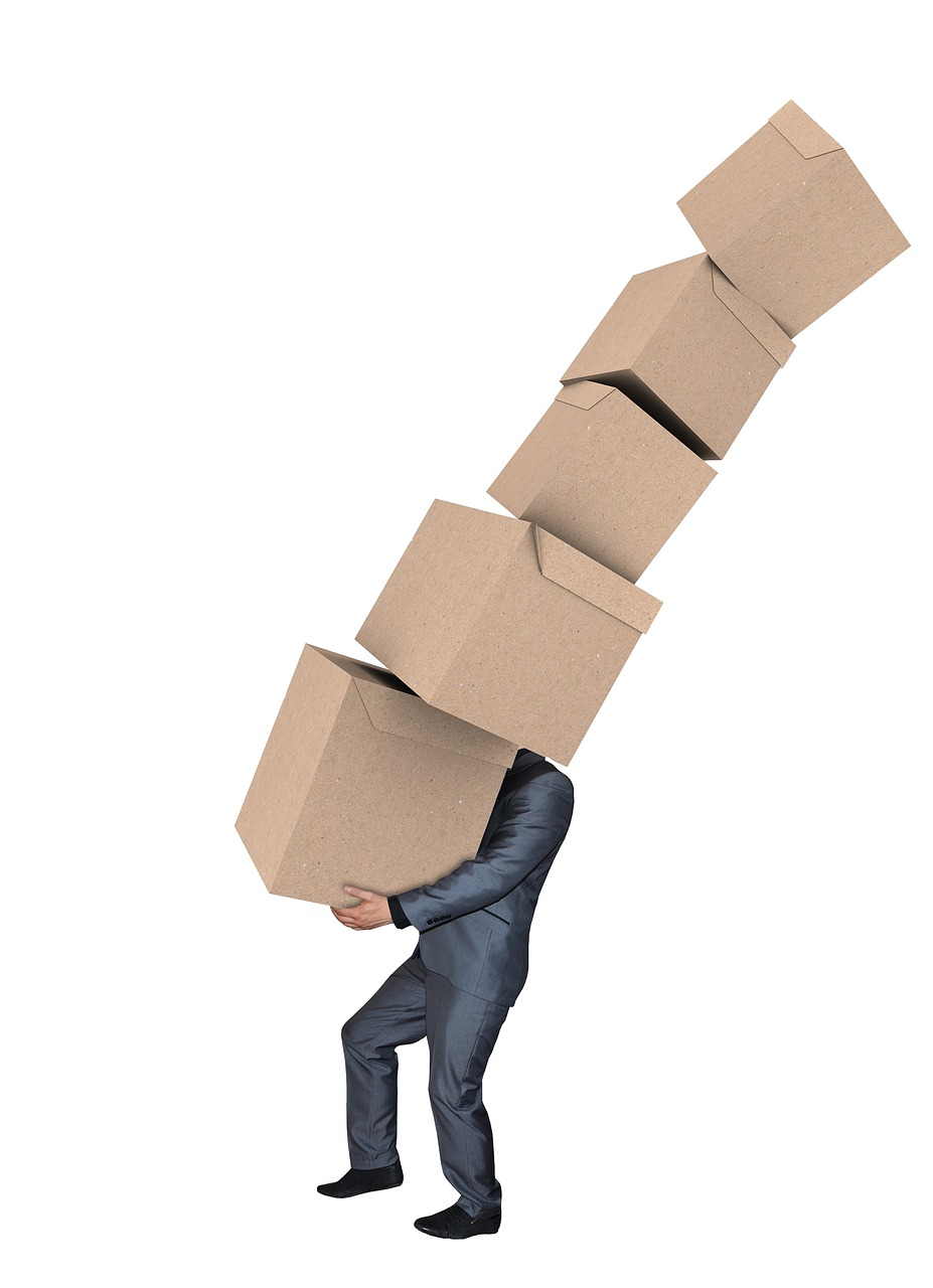 man  moving boxes  carrying boxes free photo