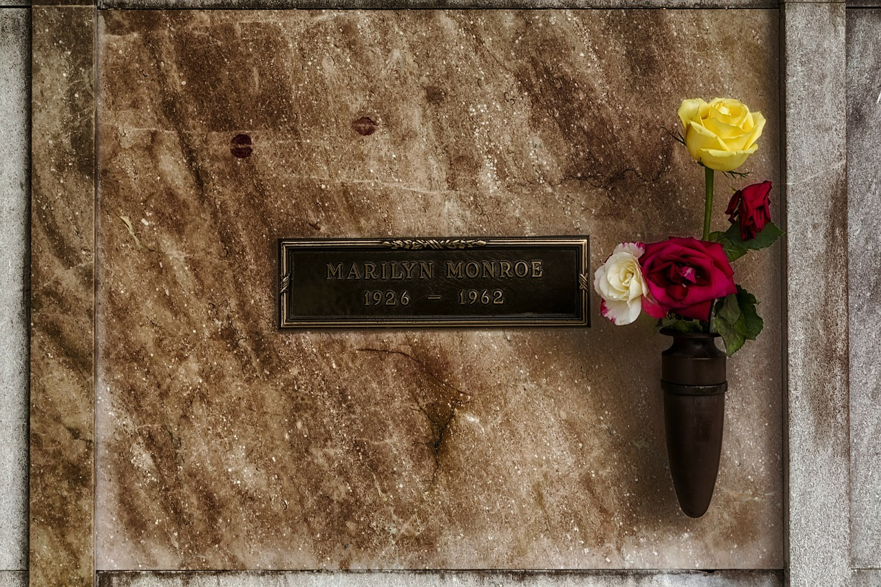 marilyn monroe star resting place free photo