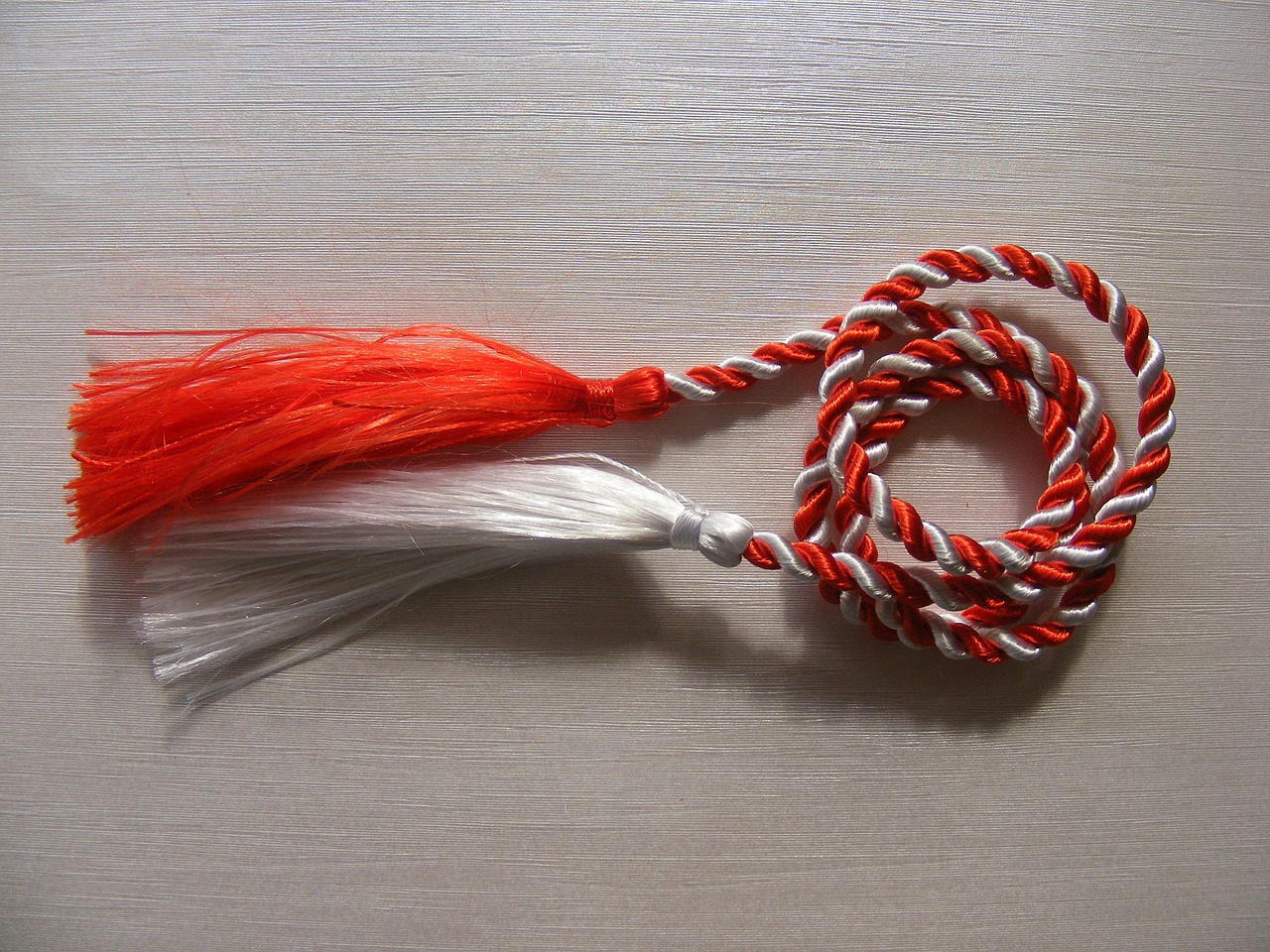 martisor red rope free photo