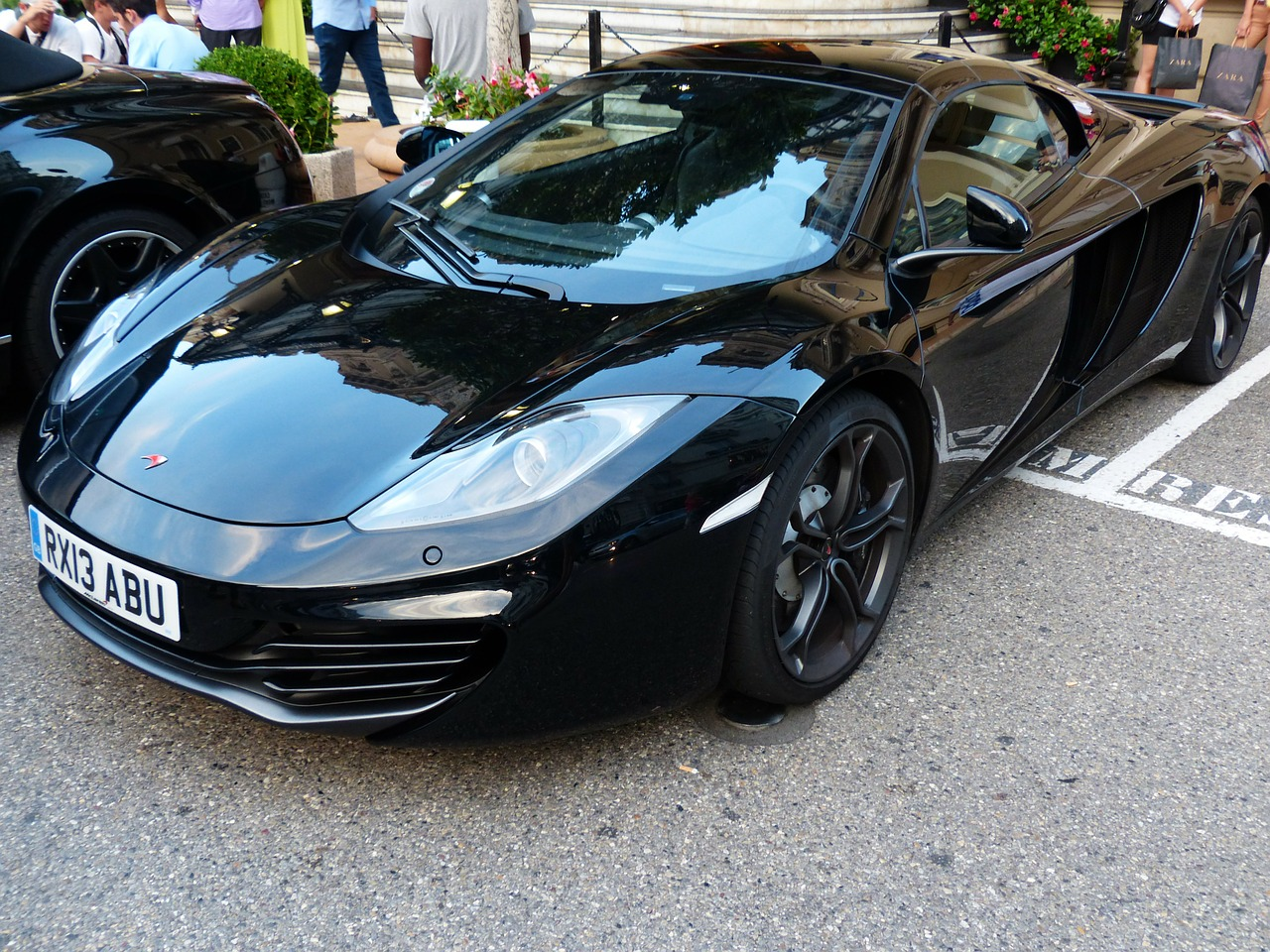 mclaren sports car racing car free photo