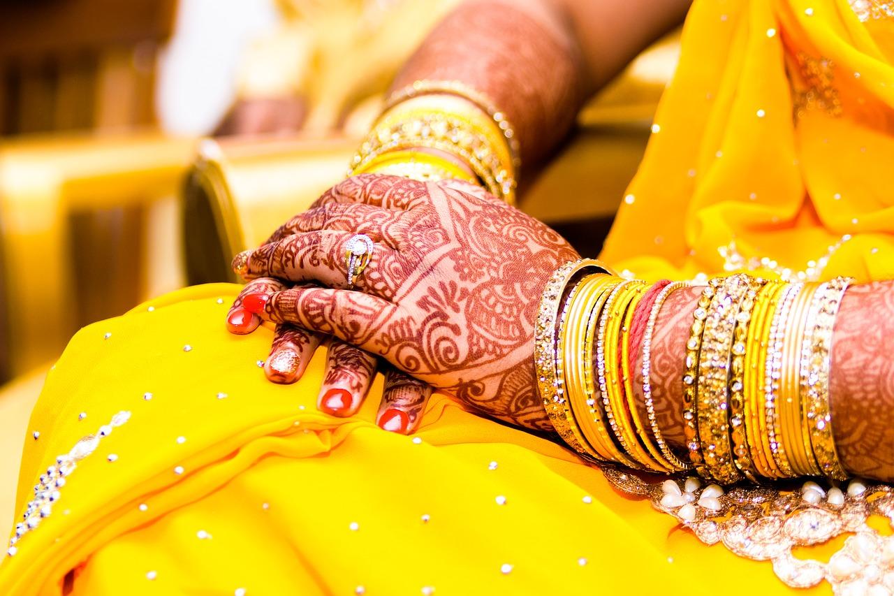 Mehendi Bangles Wedding Jewelry Saree Free Image From