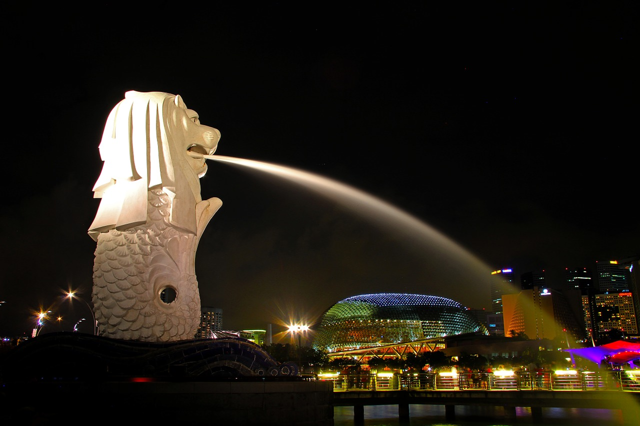 merlion singapore city free photo