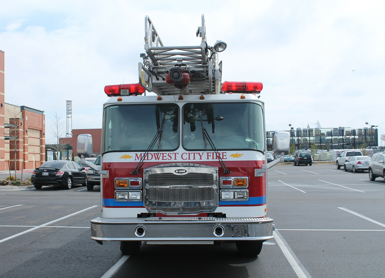 midwest city oklahoma fire truck free photo