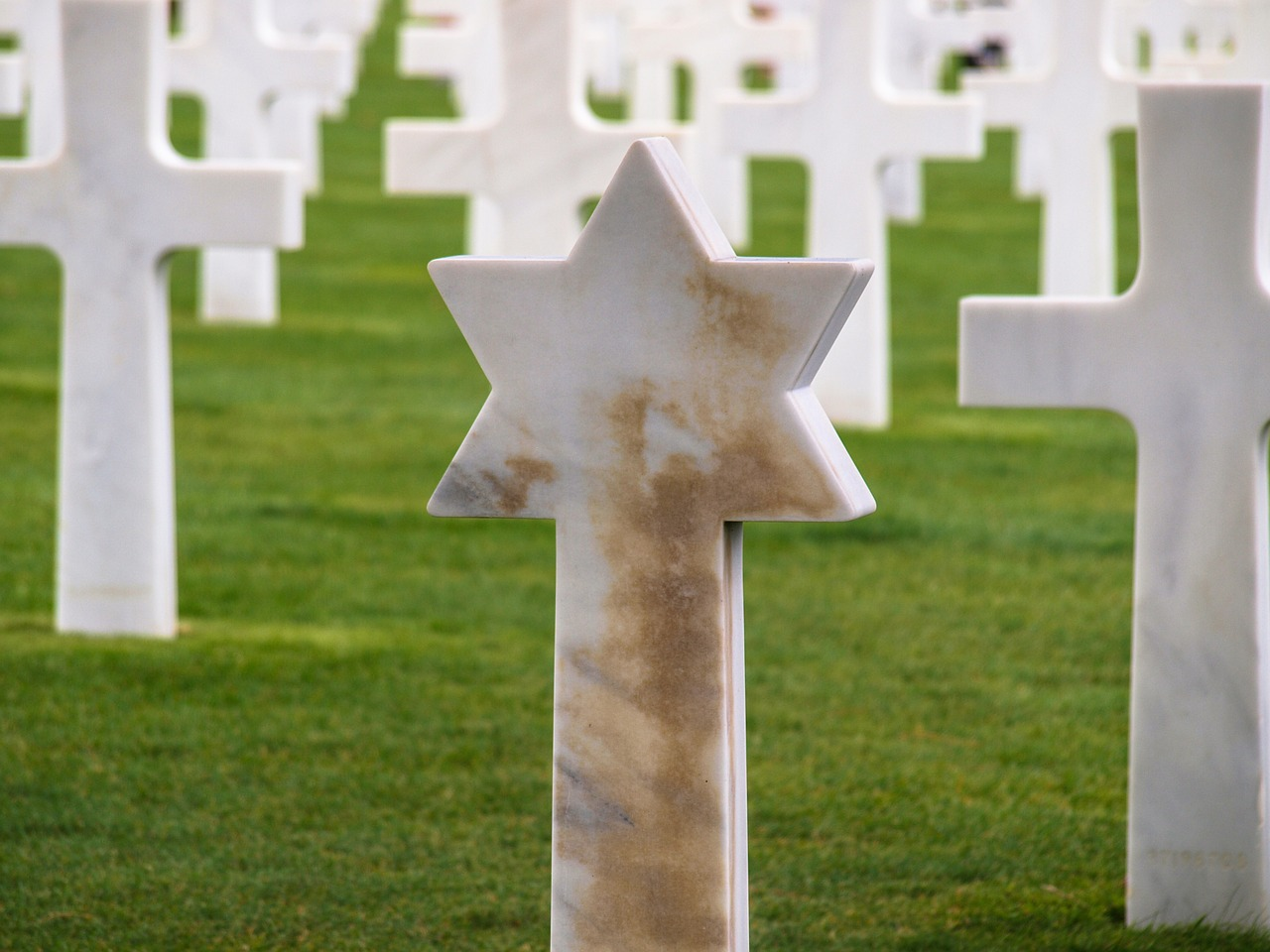 military cemetery crosses star of david free picture