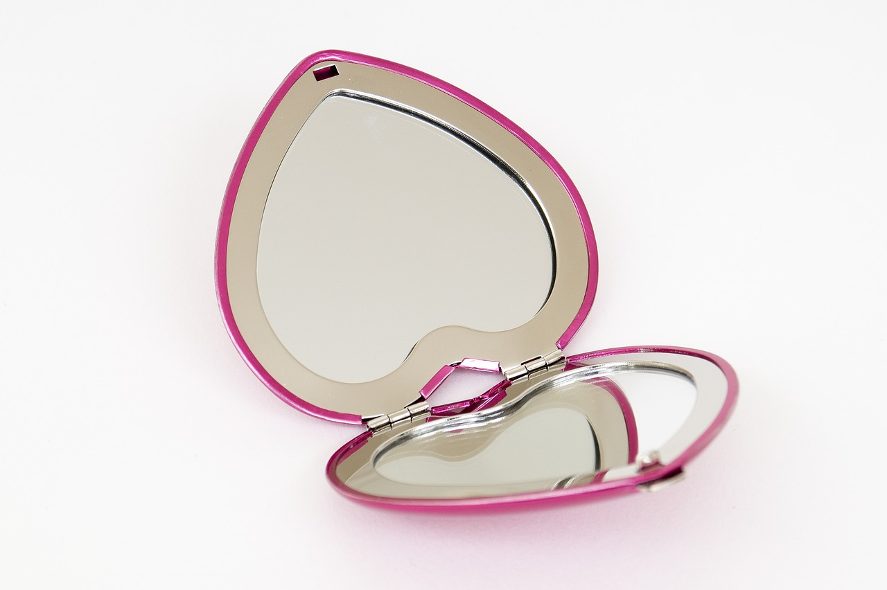 mirror pocket mirror heart free photo
