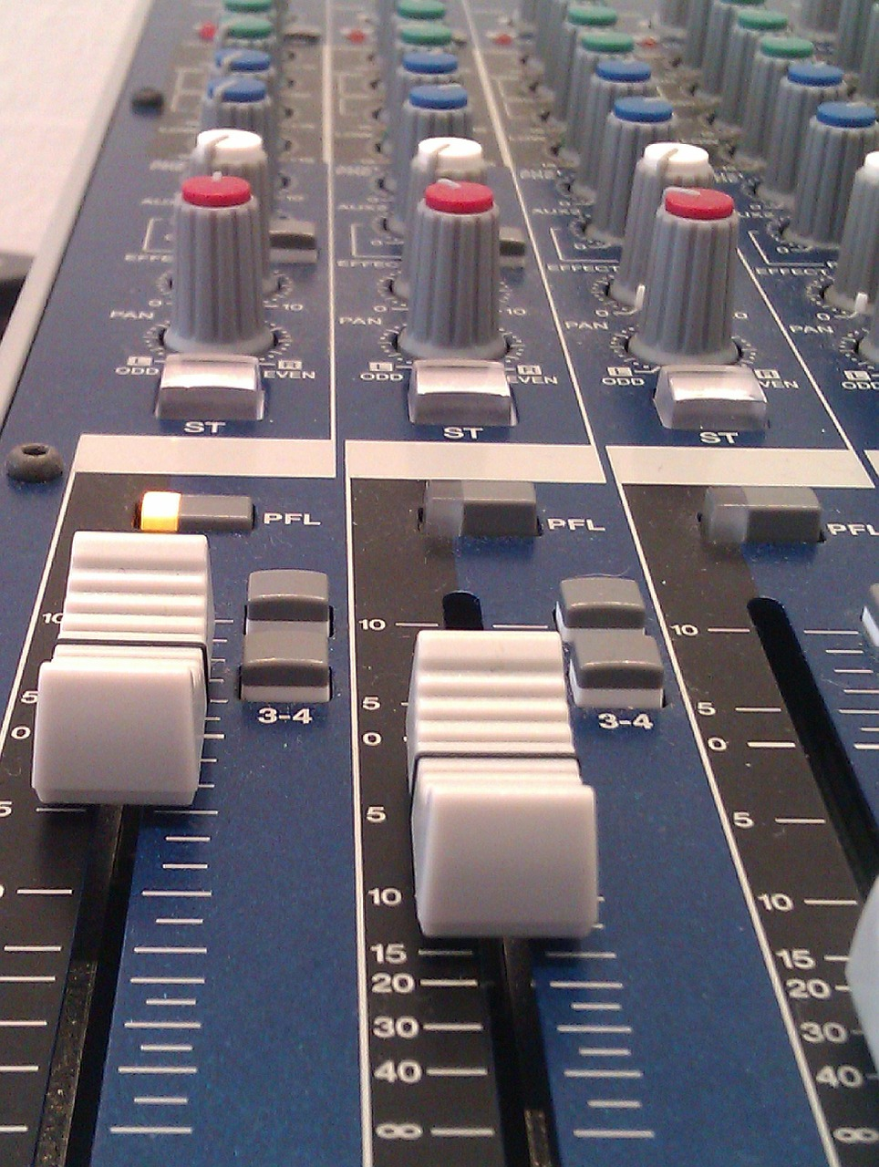 mixer,fader,yamaha,audio,free pictures, free photos, free images, royalty free, free illustrations, public domain