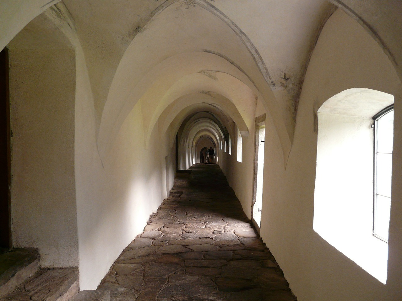 monastery cloister gang free photo