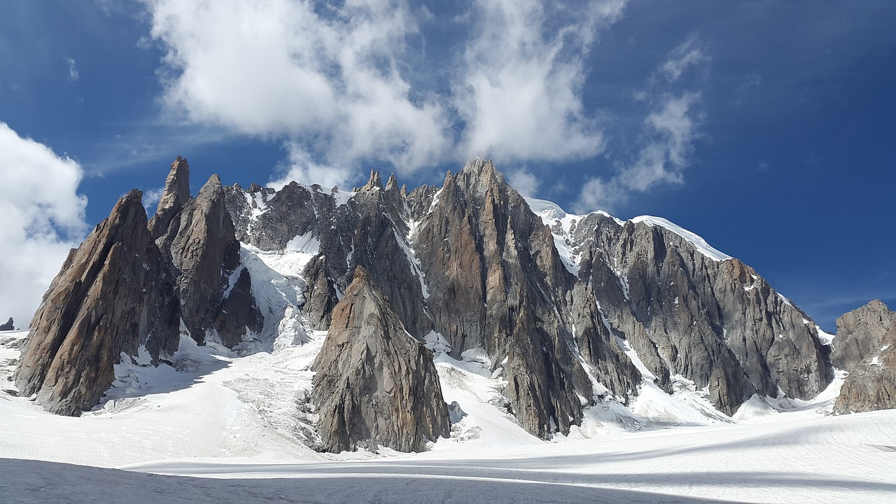 mont blanc du tacul,high mountains,alpine,chamonix,snow,mountains,france,loneliness,glacier,europe,icy channel,rock,free pictures, free photos, free images, royalty free, free illustrations, public domain