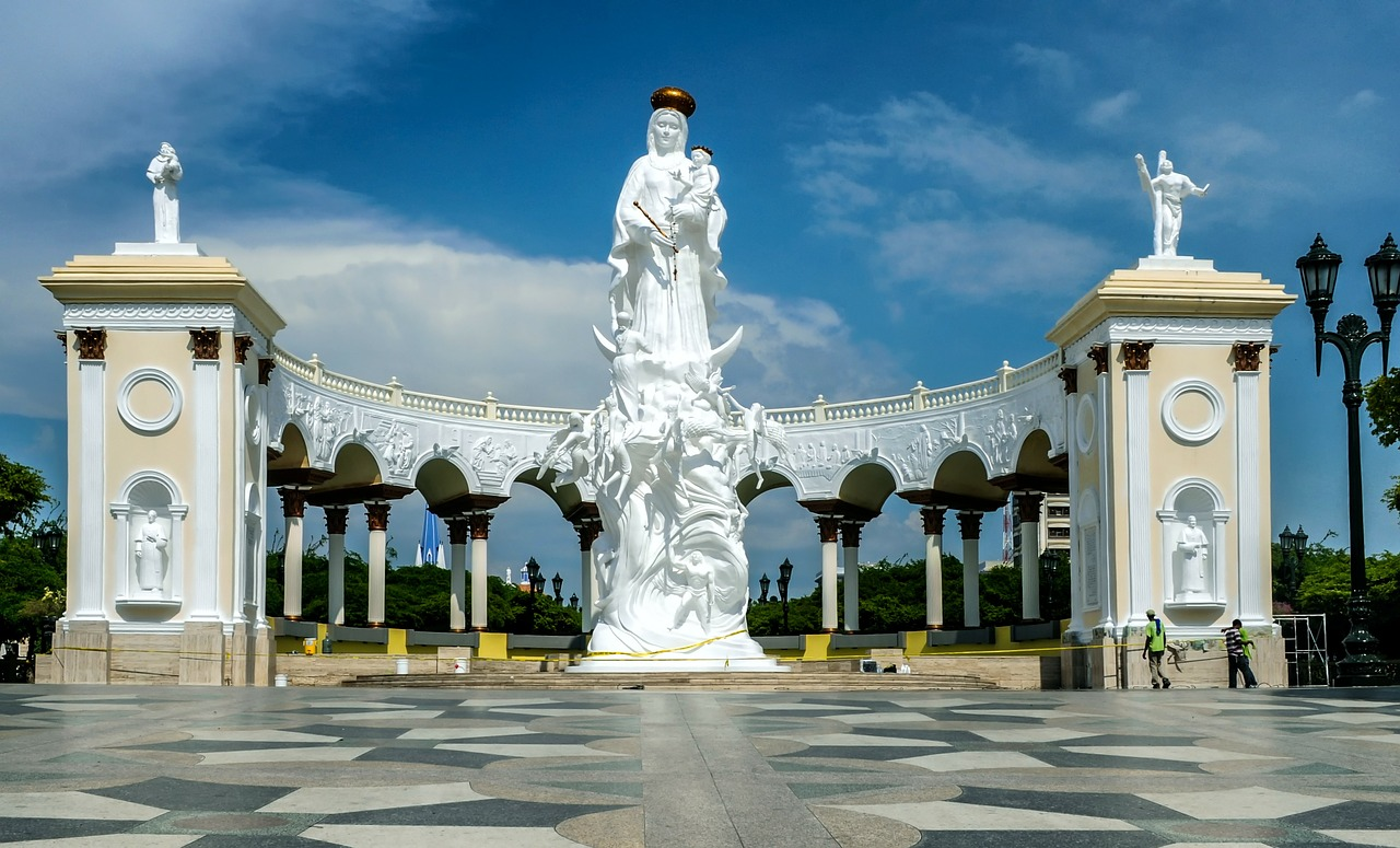 monument to the virgin maracaibo venezuela free photo